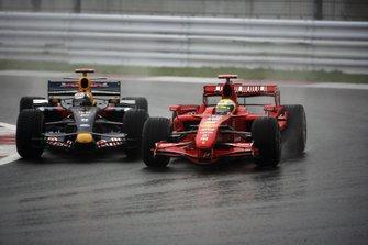 Felipe Massa, Ferrari F2007 y David Coulthard, Red Bull Racing RB3 Renaul