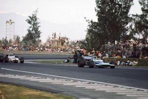Henri Pescarolo, Matra MS120, Pedro Rodriguez, BRM P153