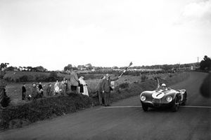 Race winner Stirling Moss, C-Type Jaguar