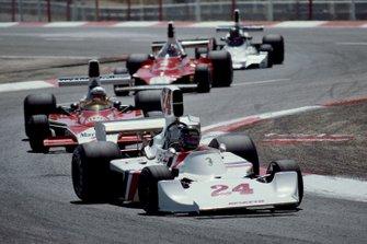 James Hunt, Hesketh 308, Jochen Mass, McLaren M23, Clay Regazzoni, Ferrari 312T, Carlos Pace, Brabham BT44B