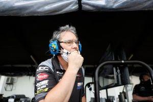 #85 JDC-Miller Motorsports Cadillac DPi, DPi: Stephen Simpson, Tristan Vautier strategist Matthias Czabok