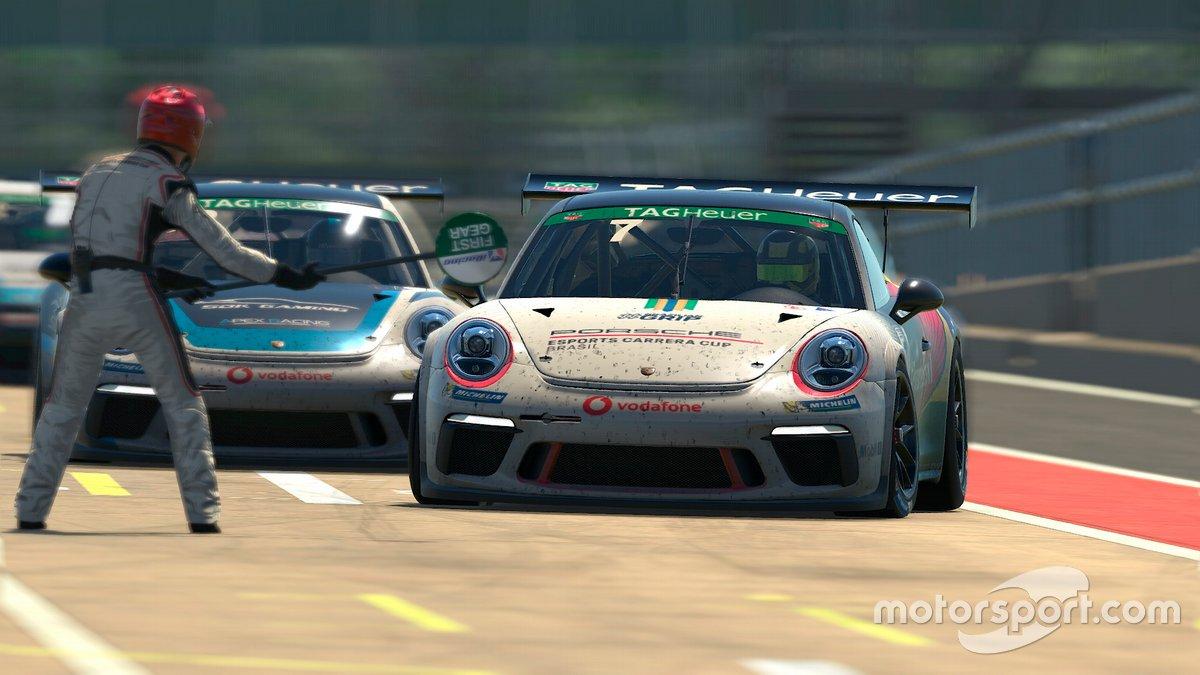 Jeff Giassi na Porsche TAG Heuer Esports Supercup