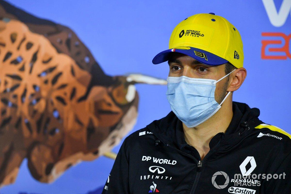 Esteban Ocon, Renault F1 Team durante la conferenza stampa