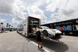 Garage, setup, #63: Scuderia Corsa Ferrari 488 GT3, GTD: Cooper MacNeil, Toni Vilander