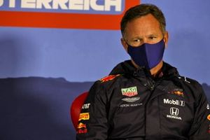 Christian Horner, Red Bull Racing director del equipo en la conferencia de prensa