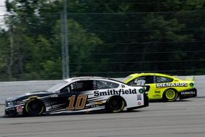 Aric Almirola, Stewart-Haas Racing, Ford Mustang Smithfield Vote For Bacon and Ryan Blaney, Team Penske, Ford Mustang Menards/Duracell