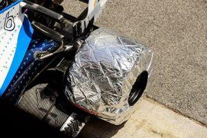 Tyre protector on the car on Nicholas Latifi, Williams FW43