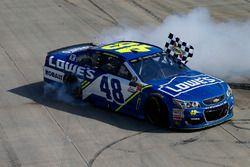 Ganador, Jimmie Johnson, Hendrick Motorsports Chevrolet