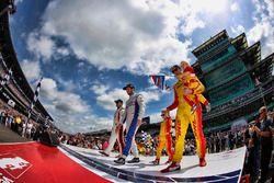 Oriol Servia, Rahal Letterman Lanigan Racing Honda Ed Jones, Dale Coyne Racing Honda Ryan Hunter-Rea