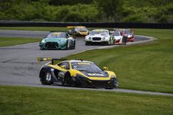 #9 K-Pax Racing, McLaren 650S GT3: Alvaro Parente, Ben Barnicoat