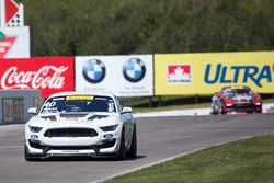 #40 PF Racing Ford Mustang GT4: Ernie Francis Jr.