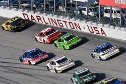 Michael McDowell, Leavine Family Racing Chevrolet, Danica Patrick, Stewart-Haas Racing Ford, Reed So