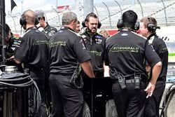 Team Penske crew
