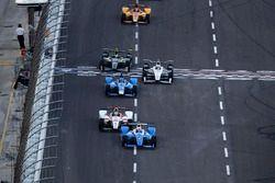 Scott Dixon, Chip Ganassi Racing Honda Tristan Vautier, Dale Coyne Racing Honda