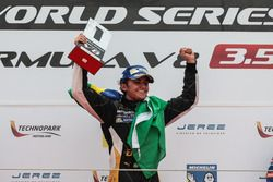 Podium: Pietro Fittipaldi, Lotus