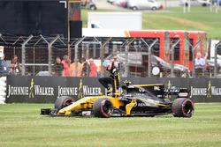 Jolyon Palmer, Renault Sport F1 Team RS17 s'arrête en piste lors du tour de chauffe