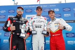 Trophy Podium: First place Tom Chilton, Sébastien Loeb Racing, Citroën C-Elysée WTCC, second place R
