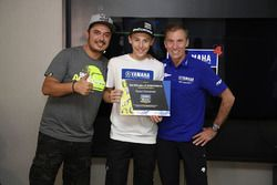 Lin Jarvis, Yamaha Factory Racing Managing Director with the participants of the Yamaha VR46 Master Camp