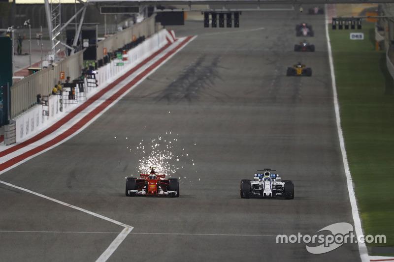 Kimi Raikkonen, Ferrari SF70H, battles with Felipe Massa, Williams FW40