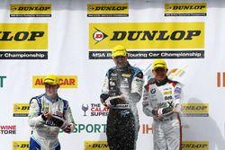 3. Ashley Sutton, Team BMR, Subaru Levorg; 1. Tom Ingram, Speedworks Motorsport, Toyota Avensis; 2.