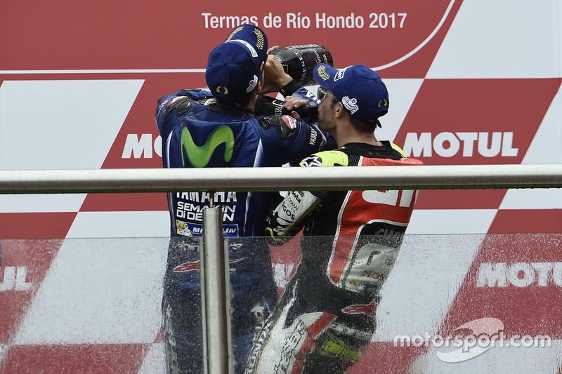 Podium: 1.Maverick Viñales, Yamaha Factory Racing; 3. Cal Crutchlow, Team LCR Honda