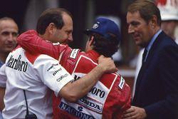 Le vainqueur Ayrton Senna, McLaren, Ron Dennis, Mclaren