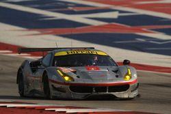 Экипаж №54 команды Spirit of Race, Ferrari 488 GTE: Томас Флор, Франческо Кастеллаччи, Мигель Молина
