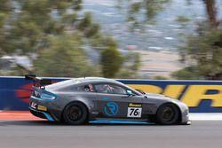 #76 R-Motorsport, Aston Martin Vantage GT8: Florian Kamelger, Darren Turner, Markus Lungstrass