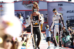 Ryan Newman, Richard Childress Racing Chevrolet and Aric Almirola, Richard Petty Motorsports Ford