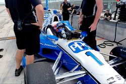 Ricky Taylor, Simon Pagenaud'un Team Penske Chevrolet'sini test ediyor