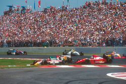 Johnny Herbert, Team Lotus 107B Ford, Derek Warwick, Footwork FA14 Mugen Honda, Gerhard Berger, Ferr