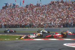 Johnny Herbert, Team Lotus 107B Ford, Derek Warwick, Footwork FA14 Mugen Honda, Gerhard Berger, Ferr
