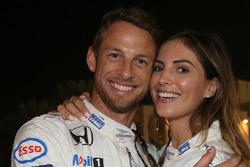 Jenson Button, McLaren, con su novia Brittny Ward
