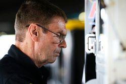 John Hunter Nemechek, SWM-NEMCO Motorsports Chevrolet crewman