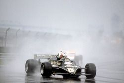 Nigel Mansell, Lotus 87-Ford Cosworth