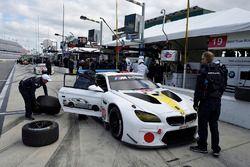 №19 BMW Team RLL BMW M6 GTLM: Билл Оберлен, Александр Симс, Аугусту Фарфус, Бруно Спенглер