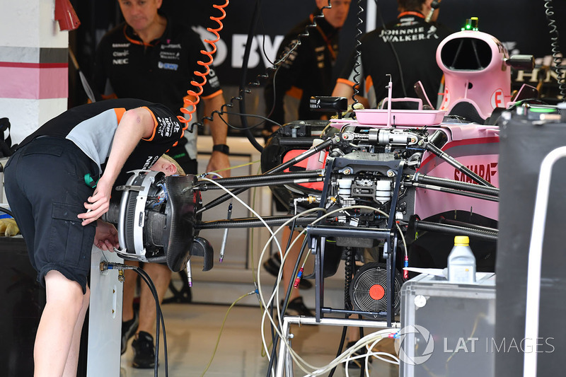 Force India VJM10: Voderradaufhängung