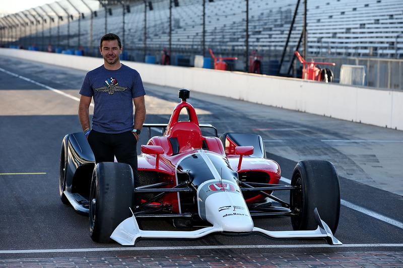 Oriol Servia mit IndyCar für 2018 von Honda