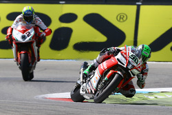 Eugene Laverty, Milwaukee Aprilia World Superbike Team; Leon Camier, MV Agusta