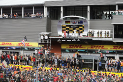 Podium : le deuxième, Sebastian Vettel, Ferrari