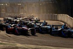 Nick Heidfeld, Mahindra Racing; Antonio Felix da Costa, Amlin Andretti Formula E Team; Robin Frijns,