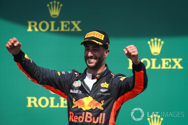 Подиум: обладатель третьего места Даниэль Риккардо, Red Bull Racing