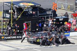 Martin Truex Jr., Furniture Row Racing Toyota pit stop