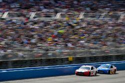 Brad Keselowski, Team Penske Ford and David Ragan, Front Row Motorsports Ford