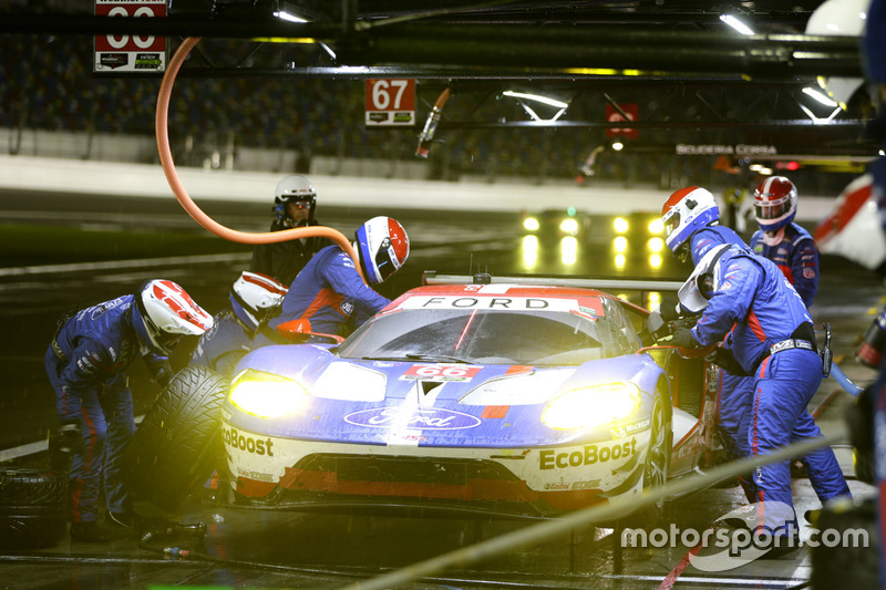 Pitstop, #66 Ford Performance Chip Ganassi Racing Ford GT: Joey Hand, Dirk Müller, Sébastien Bourdai