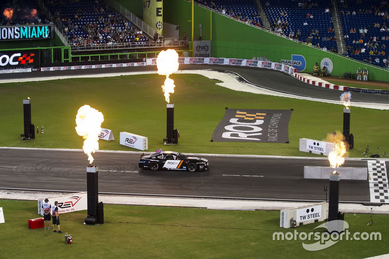David Coulthard, conduce el Whelen NASCAR