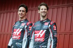 Esteban Gutiérrez, Haas F1 Team y Romain Grosjean, Haas F1 Team, presentan el Haas VF-16
