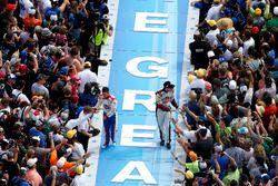 A.J. Allmendinger, JTG Daugherty Racing Chevrolet and David Ragan, BK Racing Toyota