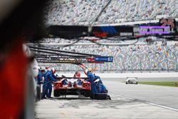 Пит-стоп команды Себастьен Бурдэ, Джой Хенд и Дирк Мюллер, #66 Ford Performance Chip Ganassi Racing Ford GT