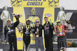 Funny Car-Sieger John Force; Top Fuel-Sieger Antron Brown; Pro Stock-Sieger Jason Line; Pro Stock Bi